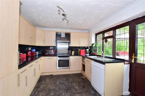 3 bedroom detached bungalow for sale - Glendale Road, Minster On Sea, Sheerness, Kent