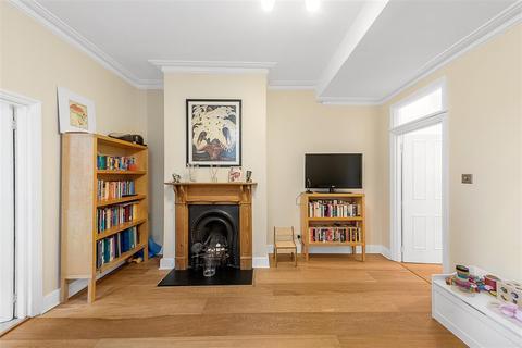 2 bedroom maisonette for sale - Hazelbourne Road, SW12