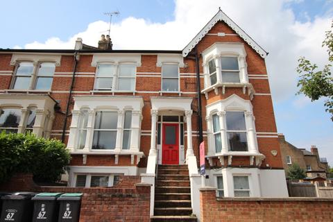 2 bedroom flat for sale - Ferme Park Road, London, N8