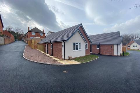 2 bedroom bungalow to rent - Alcova Grove, Cradley Heath