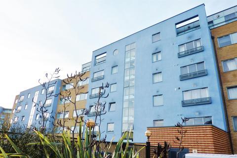 2 bedroom flat for sale - Warrior Close, Thamesmead, London, SE28 0NL