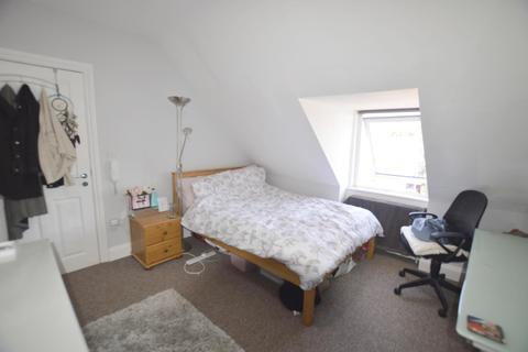 1 bedroom in a house share to rent - Ashley Road, Poole, BH14 0AD