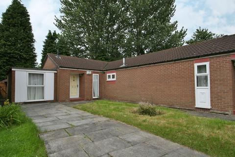 3 bedroom bungalow to rent - Calbourne Crescent, Manchester, Greater Manchester, M12