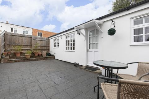 1 bedroom apartment for sale - Garden Apartment, Lansdown Place, Cheltenham GL50 2HX