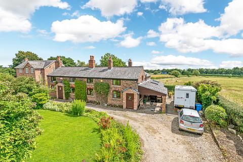 3 bedroom semi-detached house for sale - Hatton Lane, Hatton