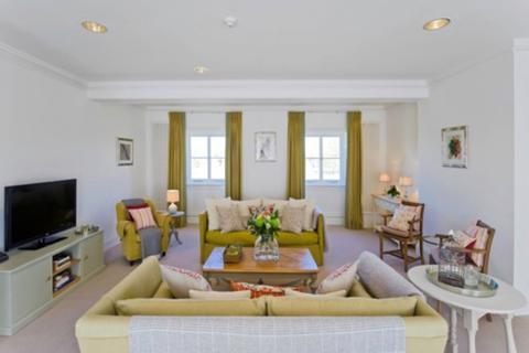 1 bedroom apartment to rent - Hampton Court Road, East Molesey