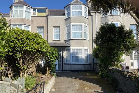 5 bedroom terraced house for sale - Walthew Avenue, Holyhead