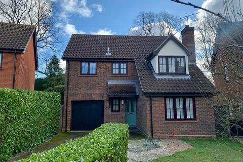 4 bedroom detached house for sale - Lichfield Close, Chelmsford, CM1