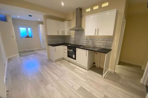 2 bedroom apartment to rent - Lion Way, Brentford