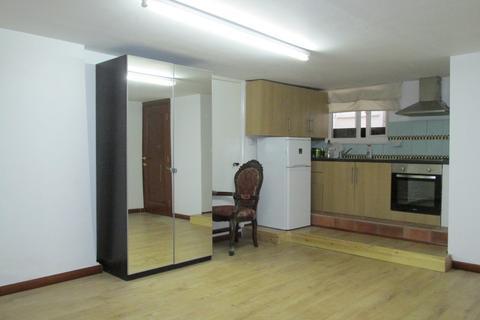 Studio to rent - Hoxton street, Hoxton, Hackney, London N1