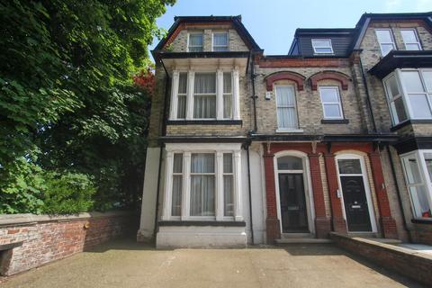 5 bedroom semi-detached house for sale - Victoria Road, Bridlington