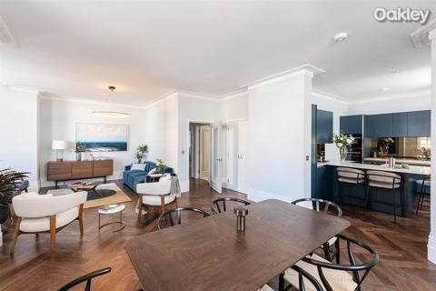 2 bedroom apartment for sale - Kings House, Hove Seafront