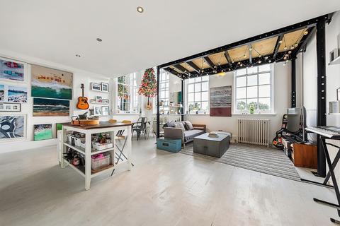 2 bedroom flat for sale - Lyham Road, SW2