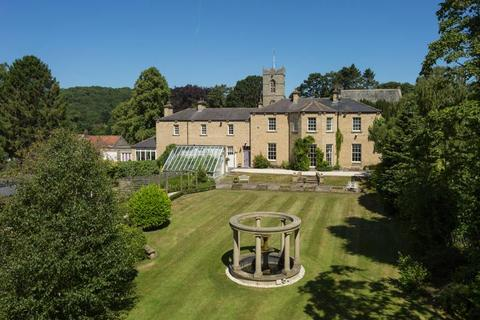 6 bedroom detached house for sale - Comber House & Comber House Lodge, Church Hill, Thornton le Dale