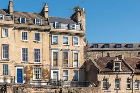2 bedroom flat for sale - Walcot Parade, Bath