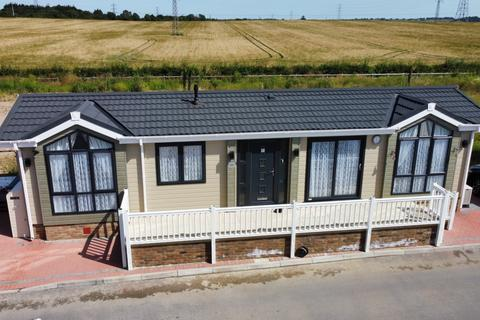 2 bedroom park home for sale - Hayes Chase, Hayes Country Park, Battlesbridge