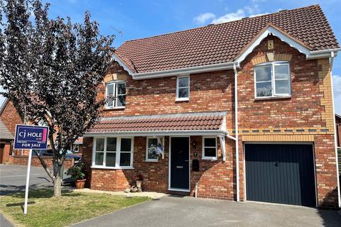 4 bedroom detached house for sale - Varley Avenue, Hucclecote, Gloucester, GL3