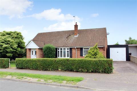 2 bedroom bungalow for sale - Bramble Avenue, Hellesdon, Norwich, Norfolk, NR6