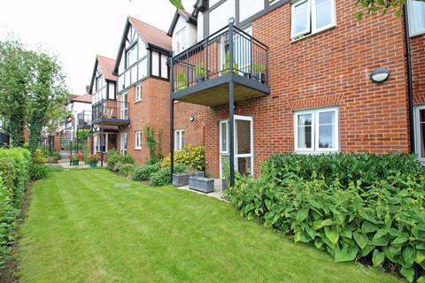 1 bedroom retirement property for sale - Yew Tree Court, Limpsfield Road, Sanderstead, Surrey