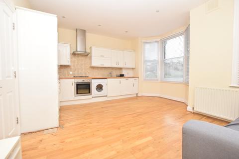 2 bedroom flat to rent - Morna Road Camberwell SE5