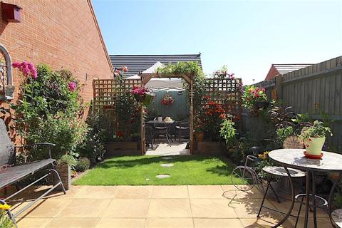 4 bedroom townhouse for sale - Penrhyn Way, Grantham NG31 8XB