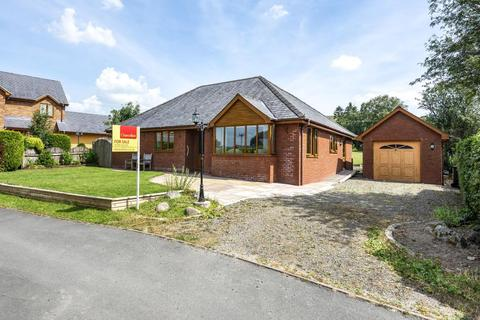 3 bedroom detached bungalow for sale - Curlews Meadow,  St Harmon,  LD6