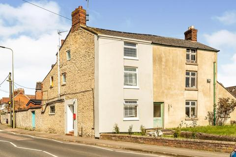 4 bedroom semi-detached house for sale - Close to the town centre,  Bicester,  Oxfordshire,  OX26