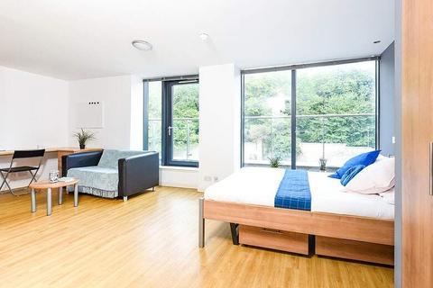 Studio to rent - 32 Calton Rd, Edinburgh, Scotland EH8 8DP