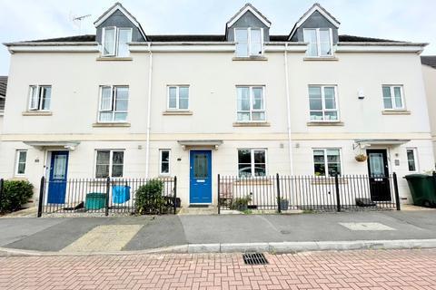 4 bedroom townhouse to rent - Rosebay Gardens, Cheltenham, GL51