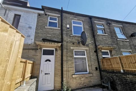 2 bedroom terraced house to rent - Cambridge Street, Bradford, BD7