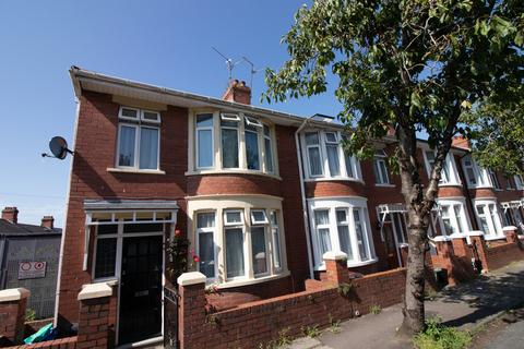 3 bedroom end of terrace house for sale - Dunraven Street, Barry