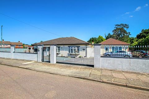 3 bedroom detached bungalow for sale - Honeyden Road, Sidcup