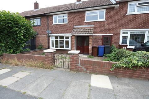 3 bedroom terraced house to rent - Prince Philip Avenue, Stifford Clays
