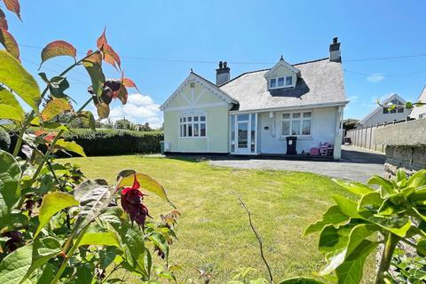 4 bedroom detached house for sale - Bull Bay Road, Amlwch, Sir Ynys Mon, LL68