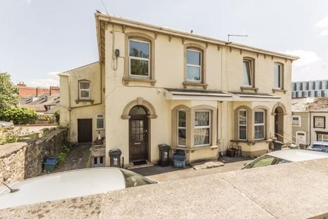 2 bedroom apartment for sale - Stanley Road, Newport - REF# 00014537