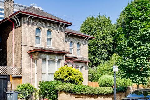 4 bedroom detached house for sale - Burlington Road, Central Chiswick, W4