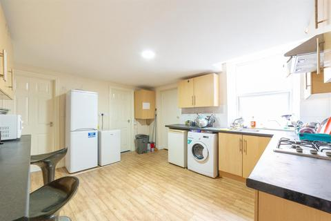 6 bedroom maisonette to rent - £58pppw -  Brighton Grove, Arthurs Hill, Newcastle Upon Tyne