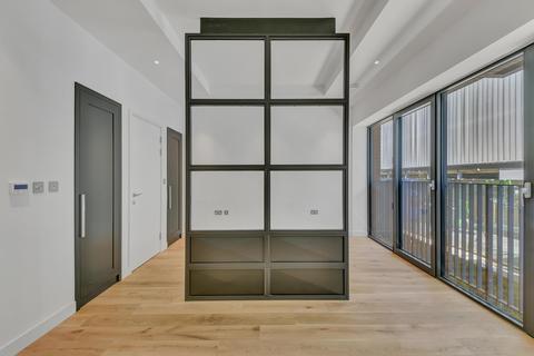 Studio to rent - Modena House, London City Island, London, E14