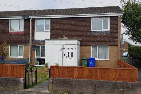 2 bedroom flat to rent - Holystone Close, Newsham Farm, Blyth, Northumberland, NE24 4QG