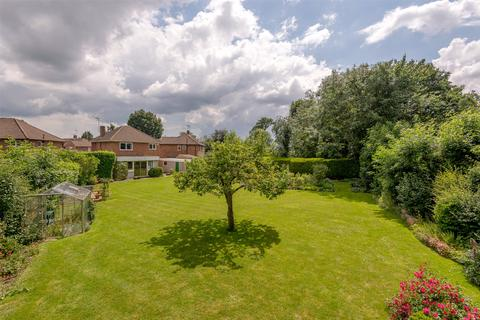 3 bedroom detached house for sale - Ashleigh Close, Horley, RH6