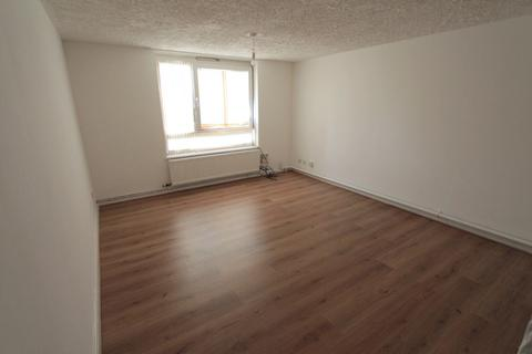 2 bedroom flat to rent - Altair Close, London, N17