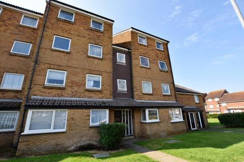 2 bedroom flat to rent - Balcombe Road, Peacehaven, BN10 7QF
