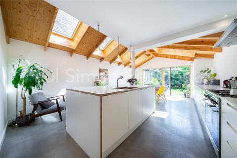 3 bedroom terraced house for sale - Harringay Road, London, N15