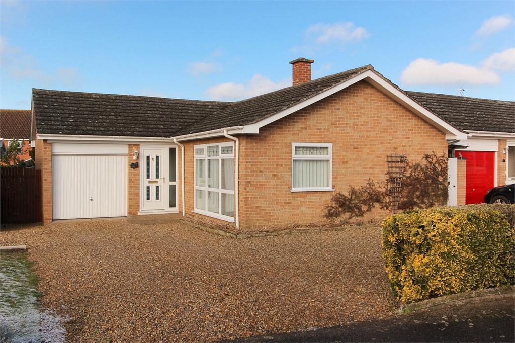 2 Bedrooms Detached Bungalow for sale in St Edmunds Gate, Attleborough, Norfolk