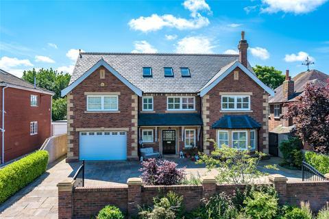 5 bedroom detached house for sale - Linden Close, Thornton-Cleveleys