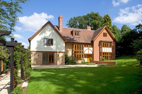 5 bedroom detached house to rent - Holden Road, Southborough, TN4