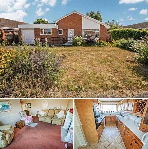 3 bedroom detached bungalow for sale - Heol Awel, Abergele