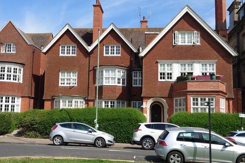 3 bedroom flat to rent - Grand Avenue, Hove, BN3