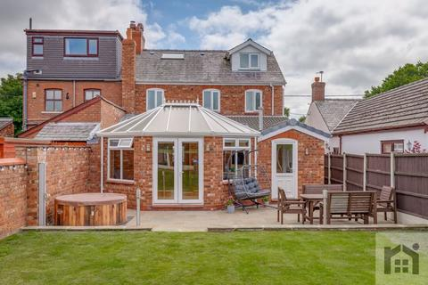 5 bedroom semi-detached house for sale - Smithy Lane, L40 1UH
