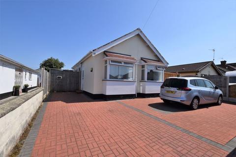 2 bedroom detached bungalow for sale - Hardie Avenue, Moreton